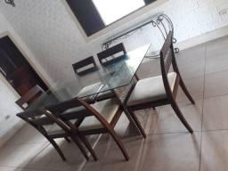 Mesa com tampo de vidro e base de granito+6 cadeiras