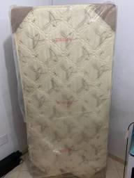 Vendo cama box de solteiro !