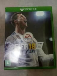 Vende-se FIFA 18 pouco usado