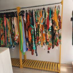 Móveis loja roupa