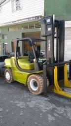 Empilhadira clark cmp70l para 7 toneladas