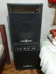 Duas caixa de som uma de 580 watts,outra de 1150watts