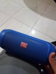 Caixa da JBL usada
