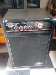 Amplificador meteoro bass