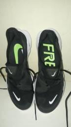Tênis Nike free 5.0 número 40 R$ 170,00