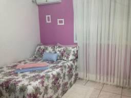 Vende-se cama box e cama de madeira casal