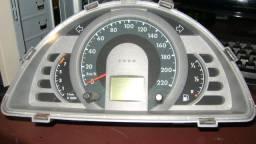 Velocímetro do fox 1.6 2006, marcando 111.000 km