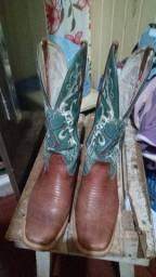 Vendo bota feminina passo cartão