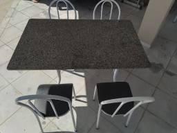 Mesa para cozinha com 4 cadeiras
