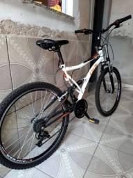 Vendo bike caloi XRT Aro 26 novissima..