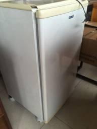 Freezer 100 l cônsul muito nova