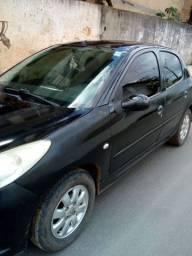 Vendo um Peugeot 207 ano 2010
