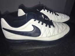 Chuteira futsal Nike majestry IC n41