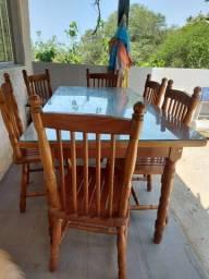 Mesa de madeira (6 lugares)