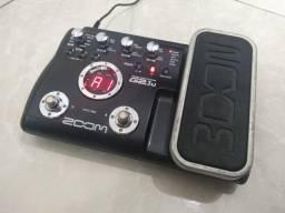 Pedaleira Zoom G2.1u com pedal de expressão