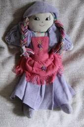 Boneca de Pano - Artesanal 40 x 23 cm vestido lilás