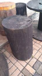 Vendo 2 troncos de madeira