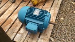 Motor elétrico Weg 4 cv 4 polos 1725 rpm 220/380