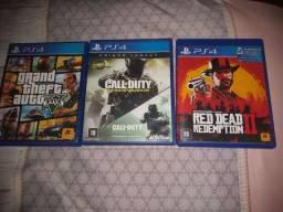 3 Jogos de PS4 semi novos por 250 tudo