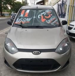 Fiesta Sedan 1.6 com gnv. Vá até a loja com o Print da tela e fale com a Priscilla!!!