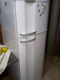 Vendo duas geladeira