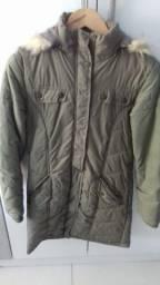 Jaqueta de nylon verde escuro comprida tamanho M estado de nova
