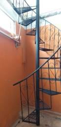 Escadas caracol e reta
