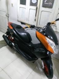 Tenho moto Honda PCX 150 semi-nova