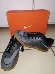 Chuteira da Nike original.