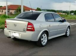 Chevrolet Astra Elite 2.0 topo de linha e impecável