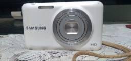 Camera Samsung ES95 HD.