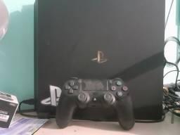 PS4 PRO 1 ANO DE USO