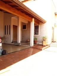 Casa Jardim Botanico,03 Dormitórios - sendo 01 Suíte com hidromassagem
