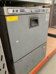 _\, Máquina de lava louças industrial