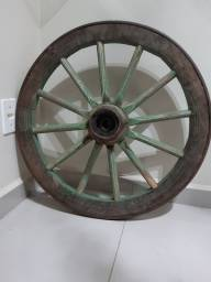 Roda de carroça em ótimo estado