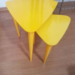 2 mesas de canto amarela