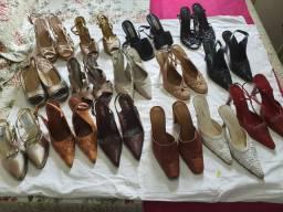 Lote com 26 sapatos