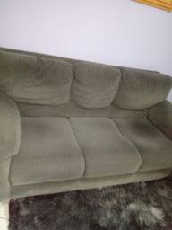 Vende-se lindo conjunto de sofá 3 e 2 lugares