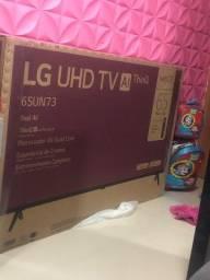 TV LG 65 polegadas 4K nova mais veio quebrada