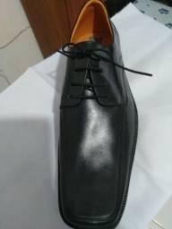 Vendo sapato novo. 220,00