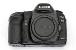 Câmera 5D Mark II Seminova com 12 mil cliques
