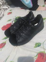 Adidas Superstar N° 38 -- R$ 250,00
