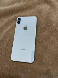 iPhone XS Max 256 gb com capinhas