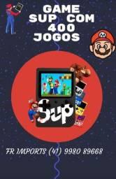 Mini game retrô portátil com 400 jogos inclusos