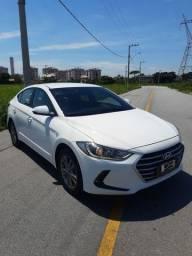 Hyundai Elantra 2017 - 36 mil km rodados