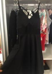 Vendo vestido, tamanho M. Novo