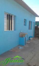 Aluga-se casa simples com 2 cômodos. Peruíbe/SP