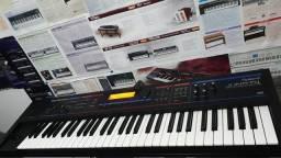 Teclado Roland JunoDi Sintetizador