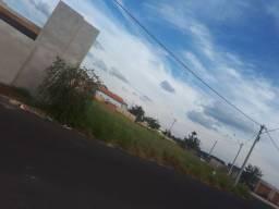 Vendo ou troco terreno com parcelaesquina260 metros na cidade de piraju