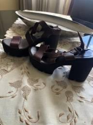 Sandália trator de couro marrom